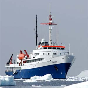 Originally built for the United States agency NOAA (National Oceanic & Atmospheric Administration), the USHUAIA has been refurbished to accommodate a maximum of 84 passengers in 41 comfortable twin cabins and suites.